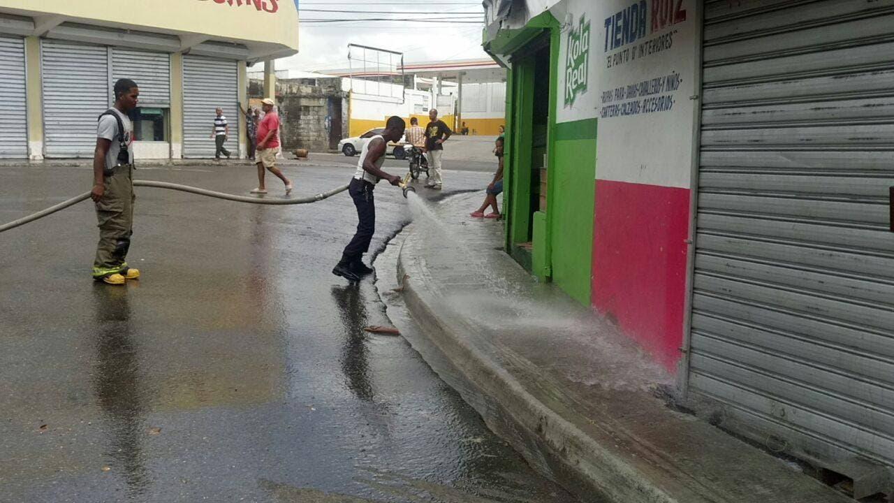 Realizan jornada de limpieza en mercado de Canta La Rana en Los Alcarrizos