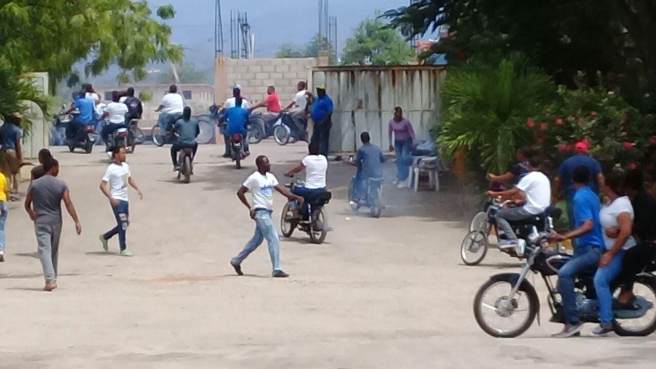 VIDEO: Dominicanos y haitianos realizan intercambio comercial en Pedernales