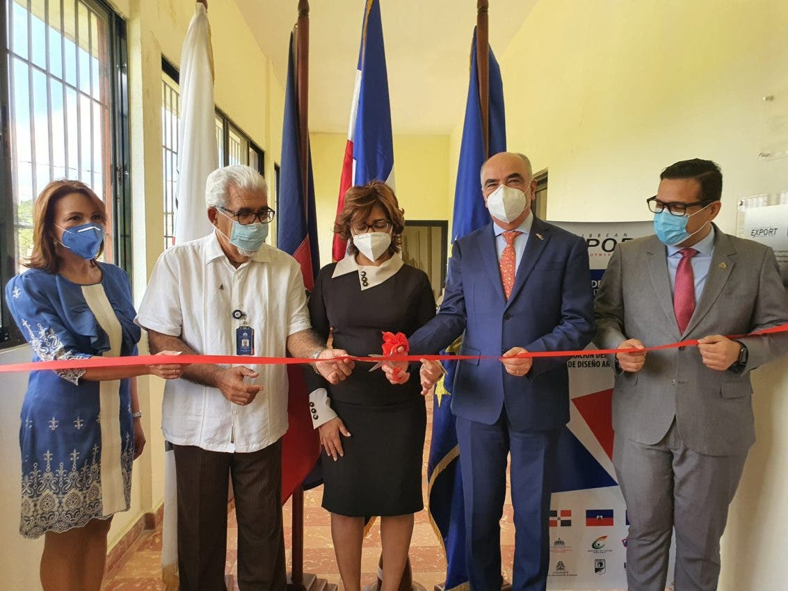 Inauguran centro de diseño artesanal