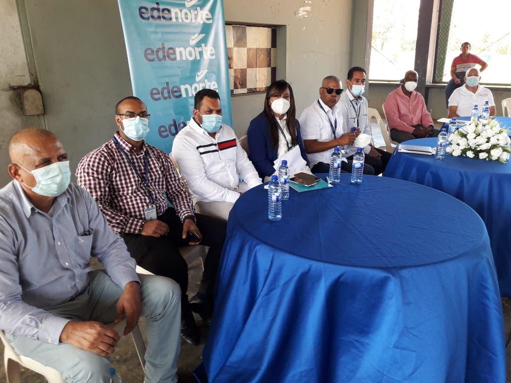 Ejecutivo Edenorte y comunitarios en Cotuí tratan sobre servicio 24 horas