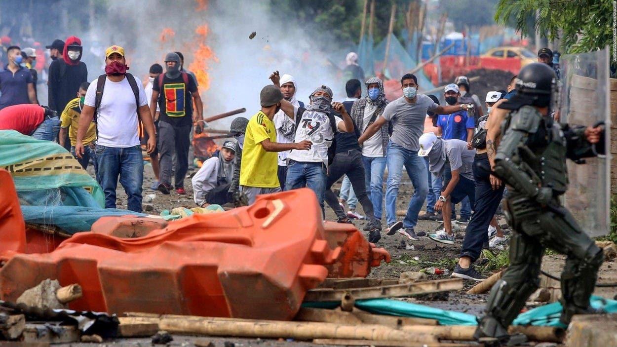Duque envía militares a Cali por violencia en protestas