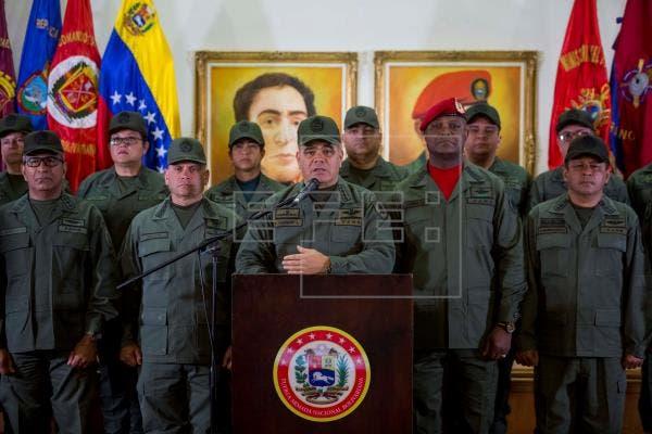 Liberan a ocho militares venezolanos secuestrados por disidentes de las FARC