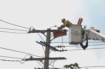 Piden suspender resolución sobre tarifa luz