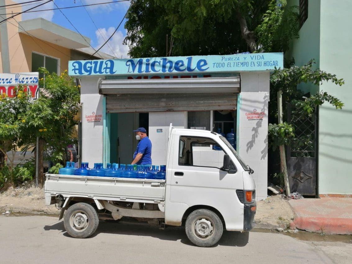 Salud Pública cierra varias plantas de agua por operar de forma ilegal