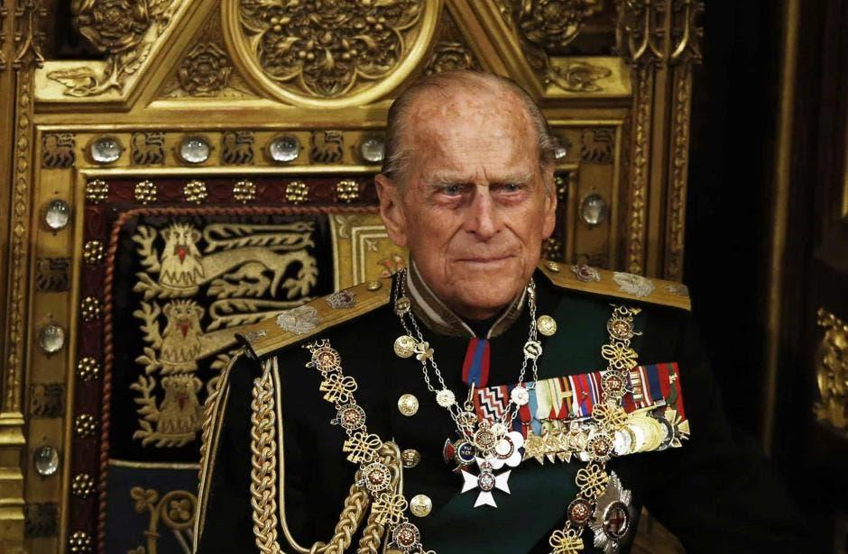 Príncipe Felipe deja herencia a tres de sus empleados