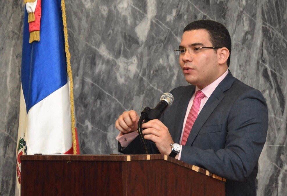 Comisión Nacional de los Derechos Humanos apoya a Omar Ramos a presidente del TSE