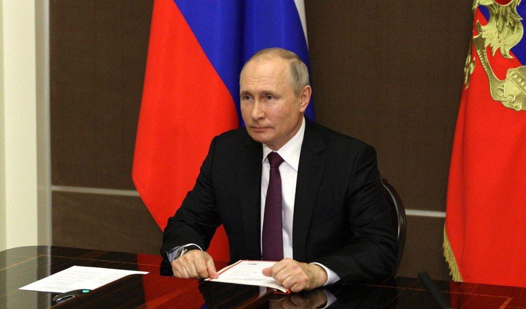 Putin da vacaciones a los rusos para frenar la pandemia