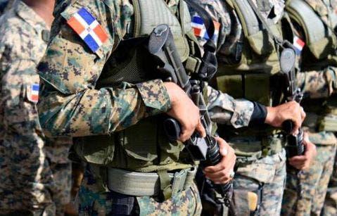 Delincuentes atracan vestidos de militares en el Cibao