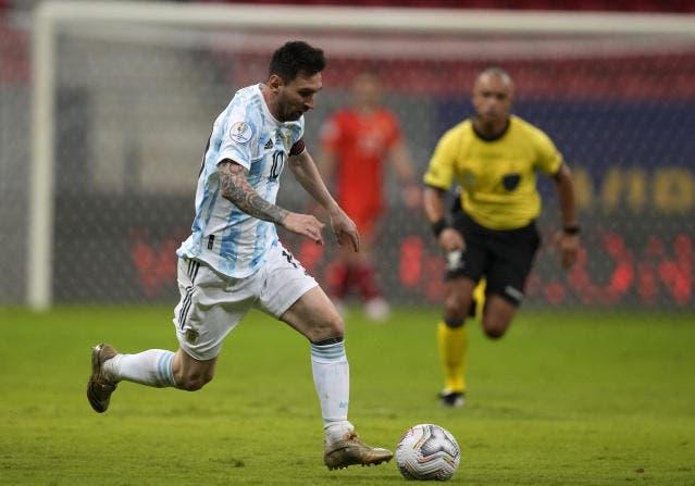 Messi y Neymar brillan pese a todo en Copa América