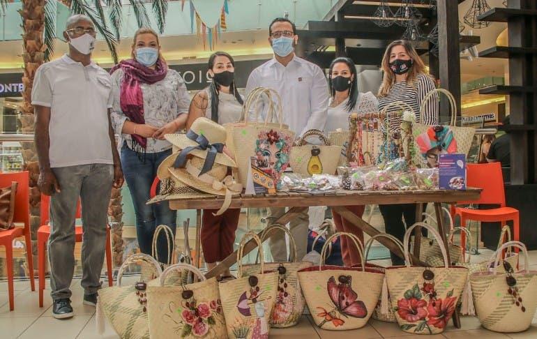 Inaguja y madres realizan venta de artesanías