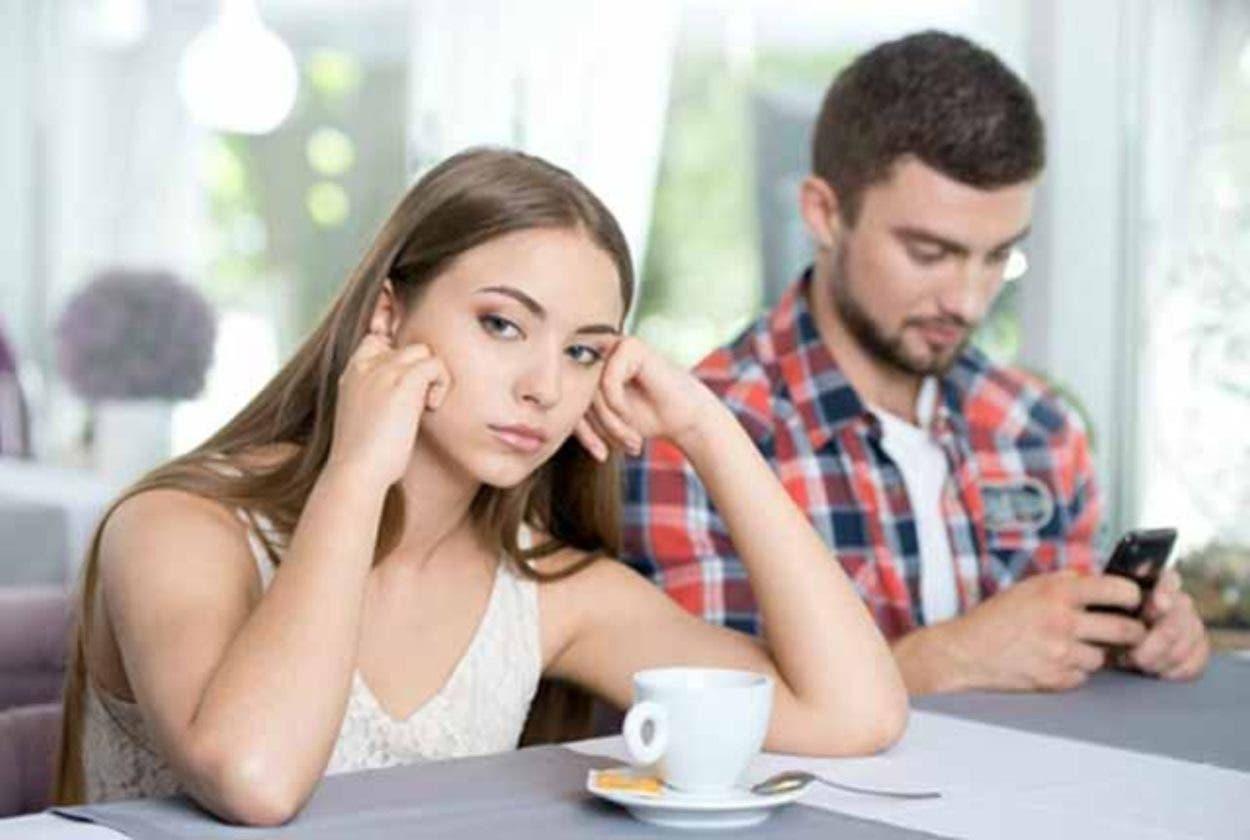 Relación de pareja ¿por qué fingir felicidad en las redes?