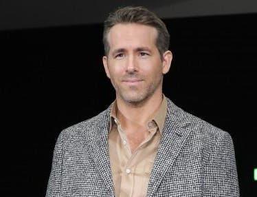 """""""La Vasectomía"""" cóctel creado por el actor Ryan Reynolds para celebrar el Día de los Padres"""