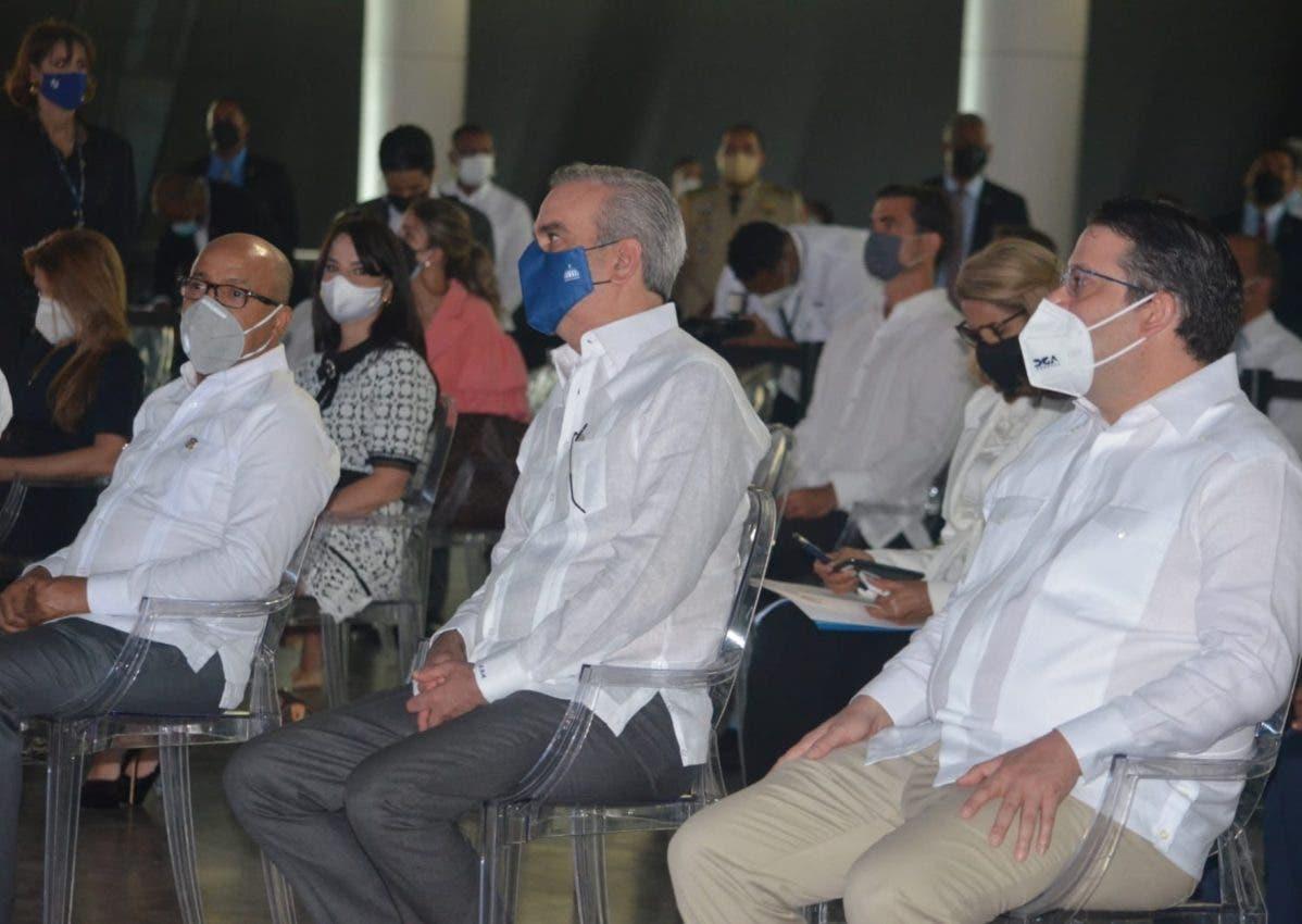 Abinader asegura suben recaudaciones Aduanas