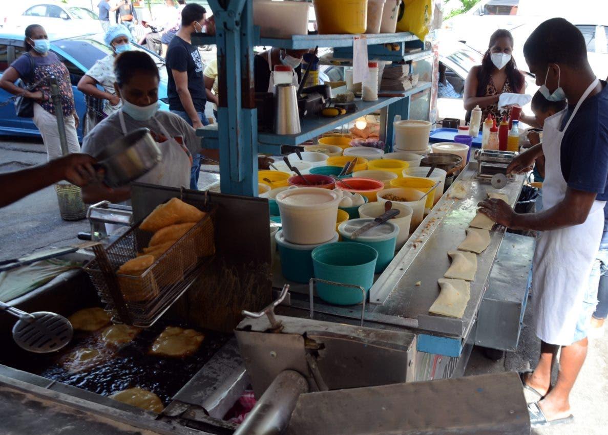 Suben precios comida callejera