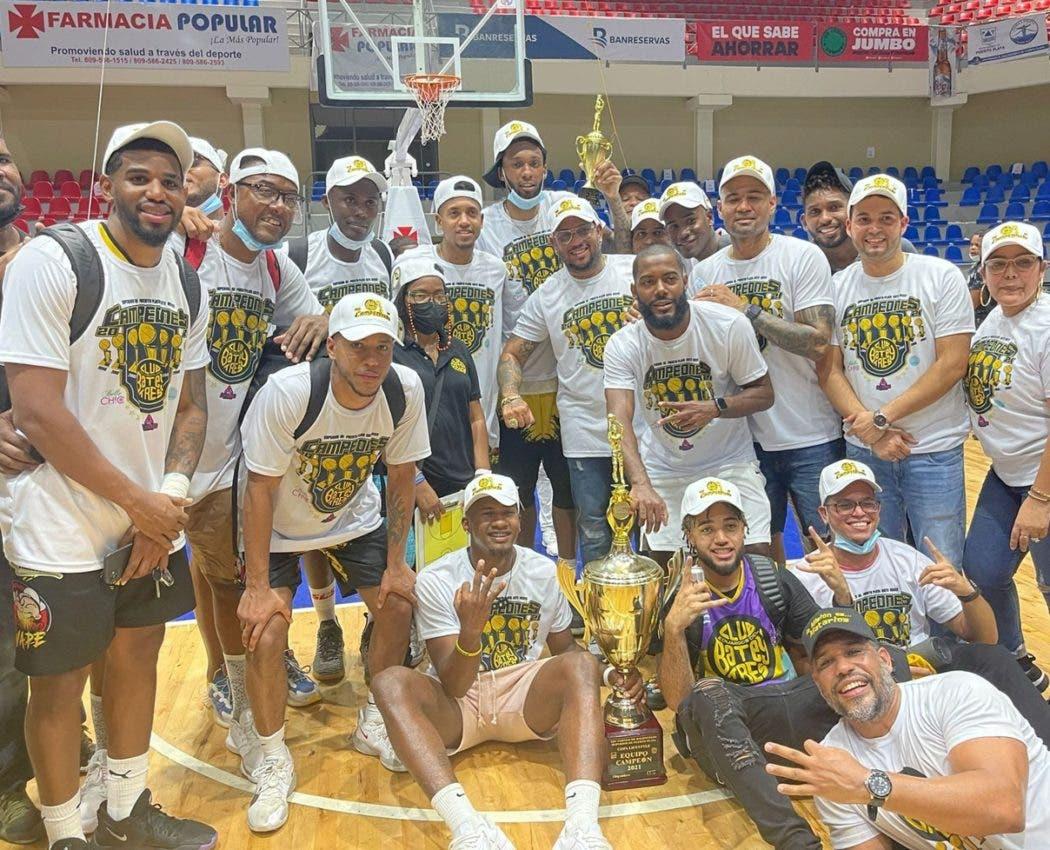 Eduardos del Batey campeón torneo basket PP