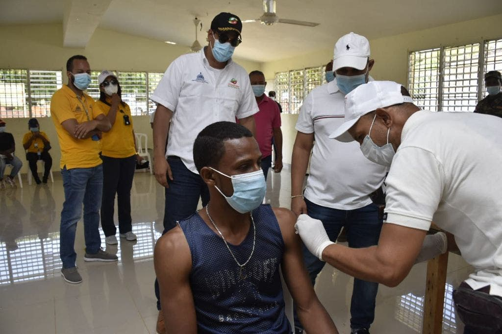 Comedores Económicos califican de exitoso plan de vacunación implementado Pedernales