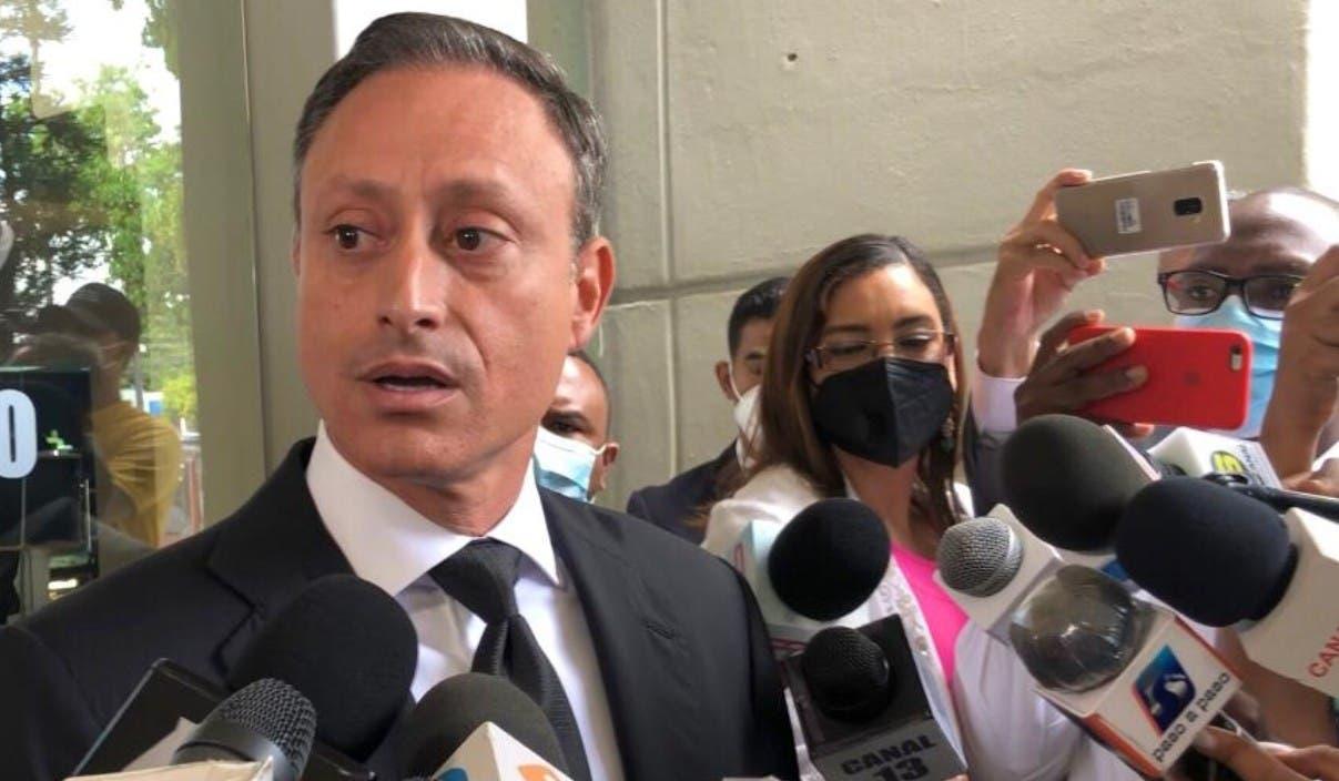 Jean Alain dice es ilegal Procuraduría le impidiera viajar