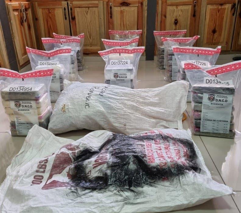 Ocupan 66 paquetes de cocaína en Samaná