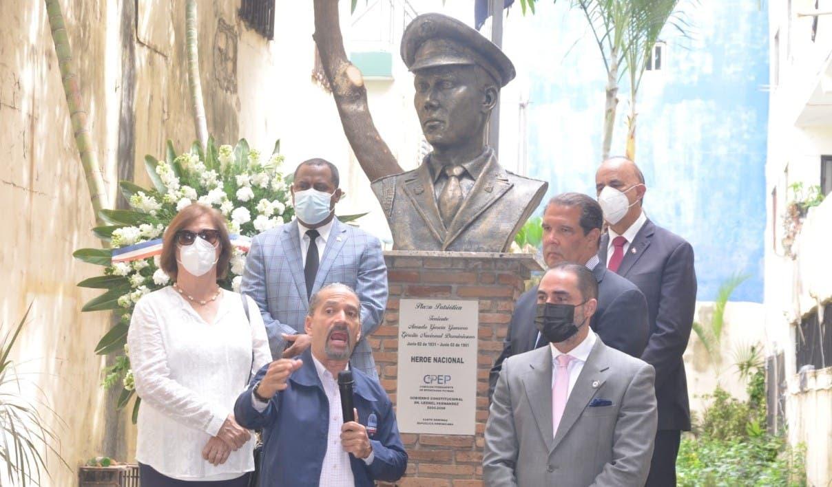 Rinden honores a teniente Amado García asesinado tras participar en ajusticiamiento de Trujillo
