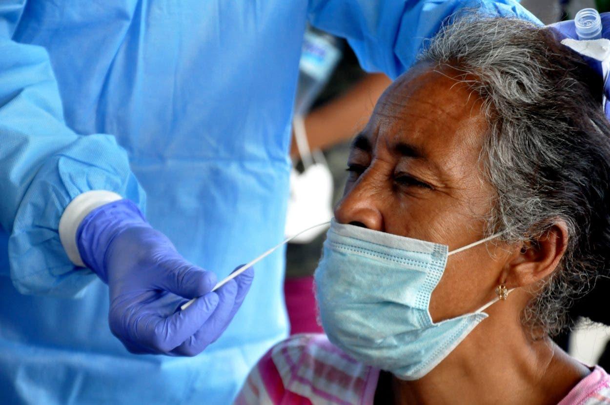 Salud reporta 1,141 nuevos casos de contagios y 9 defunciones por covid