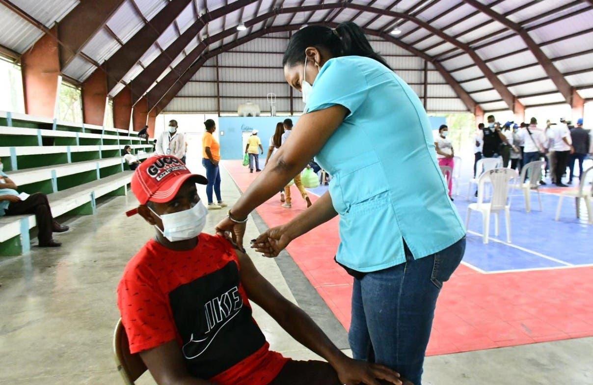 Salud resalta éxito de campaña vacuna