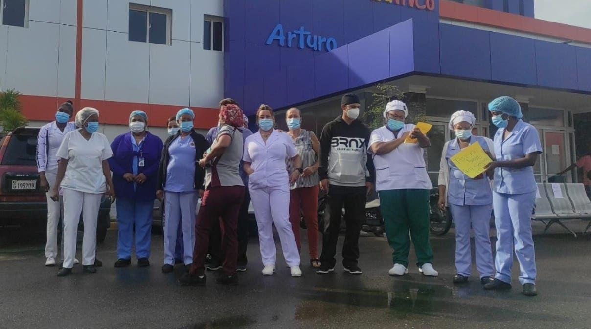 Enfermeras paran servicios en tres provincias Cibao