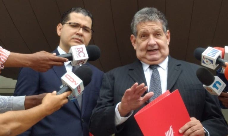 Reclaman a Procuraduría devolución bienes atribuye al general Adán Cáceres