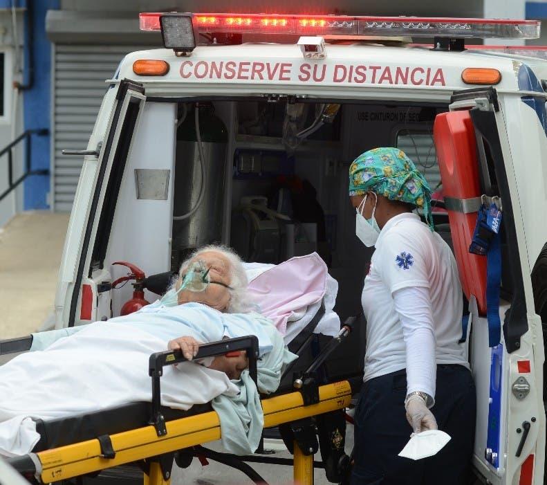 En la última semana se registraron 57.000 muertes por COVID-19 y alrededor de 100.000 contagios diarios más que la semana anterior