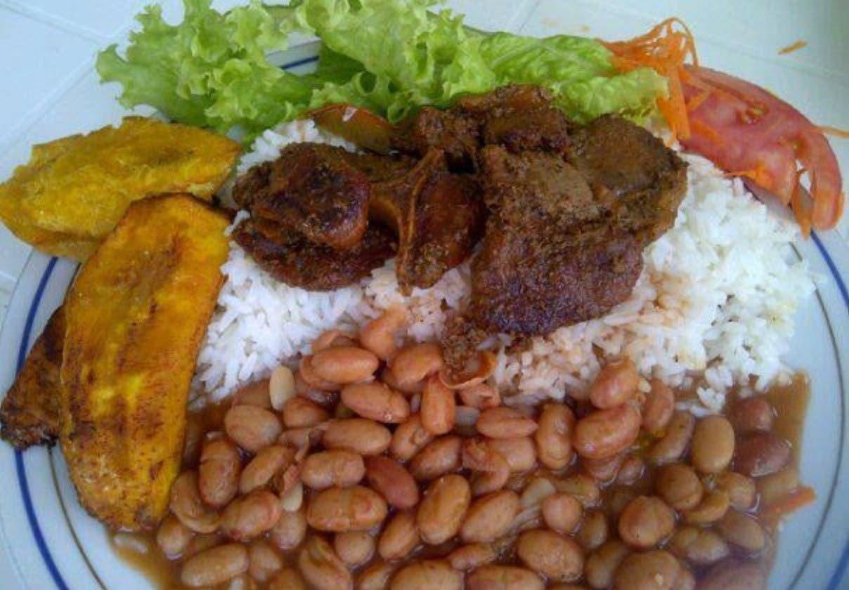 Suben precios de la comida callejera en Gran Santo Domingo