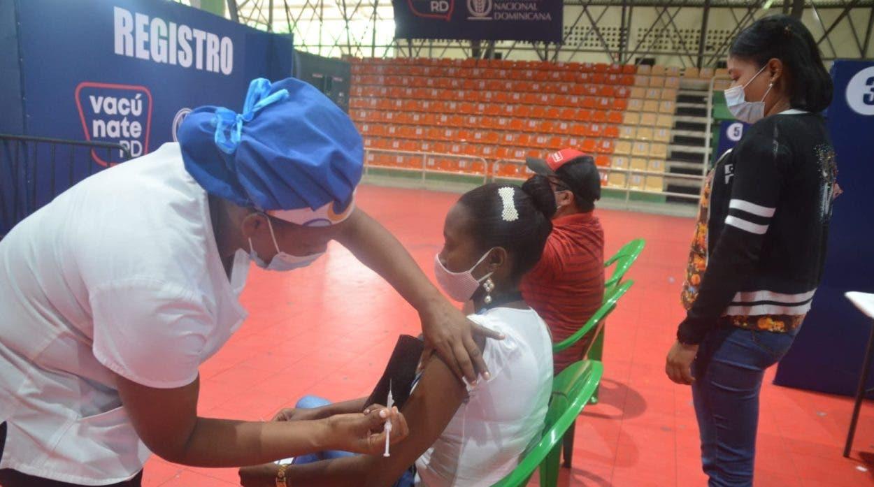 Baja asistencia a centros de vacunación