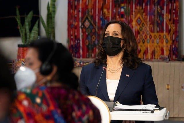 Kamala Harris se reúne con Rigoberta Menchú y líderes sociales de Guatemala