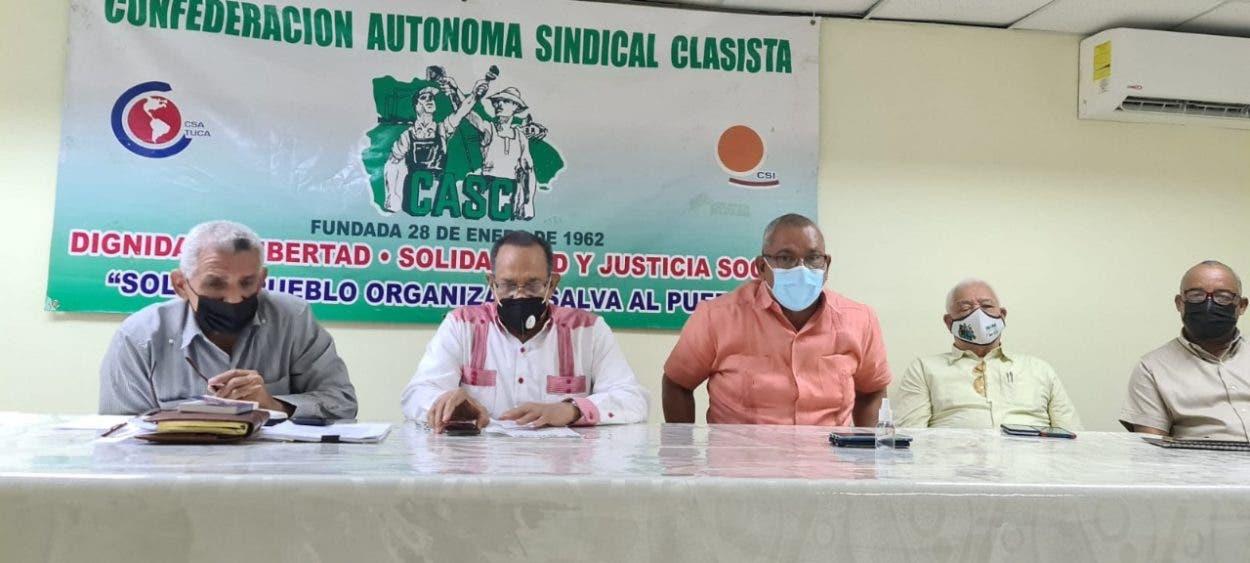 Aplazan amparo de los trabajadores pidiendo que se respete el derecho a la salud