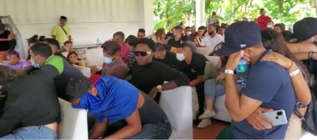 Apresan 123 personas durante fiesta en horas del toque de queda en Pedro Brand