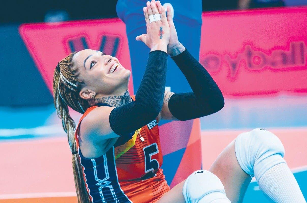Brenda amplía brecha mejor defensora Liga FIVB