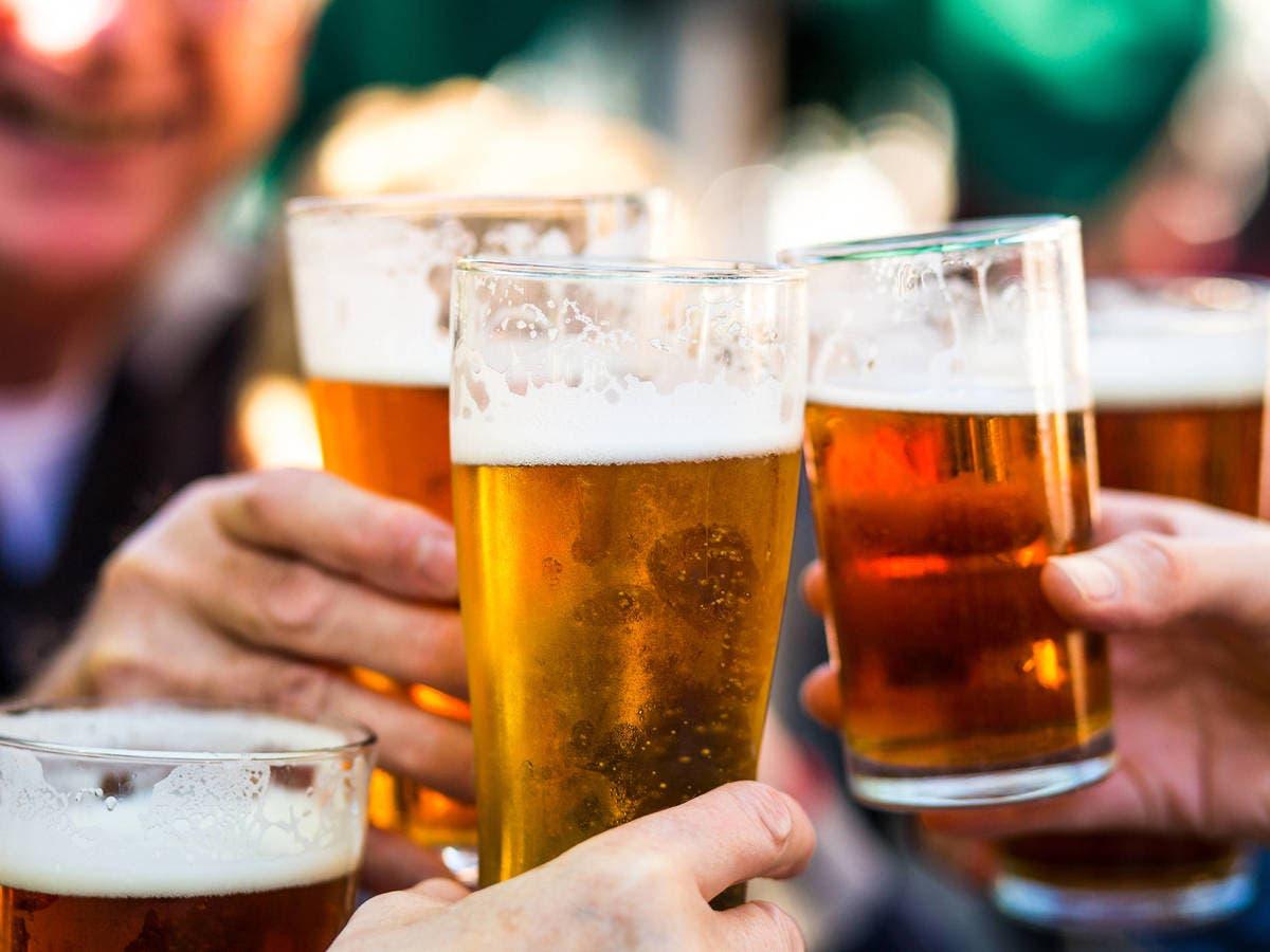 Regalarán cerveza a quien se vacune de covid-19 en EEUU