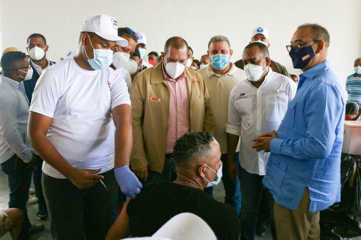 Funcionarios resaltan impacto de jornada de vacunación contra covid en SDN