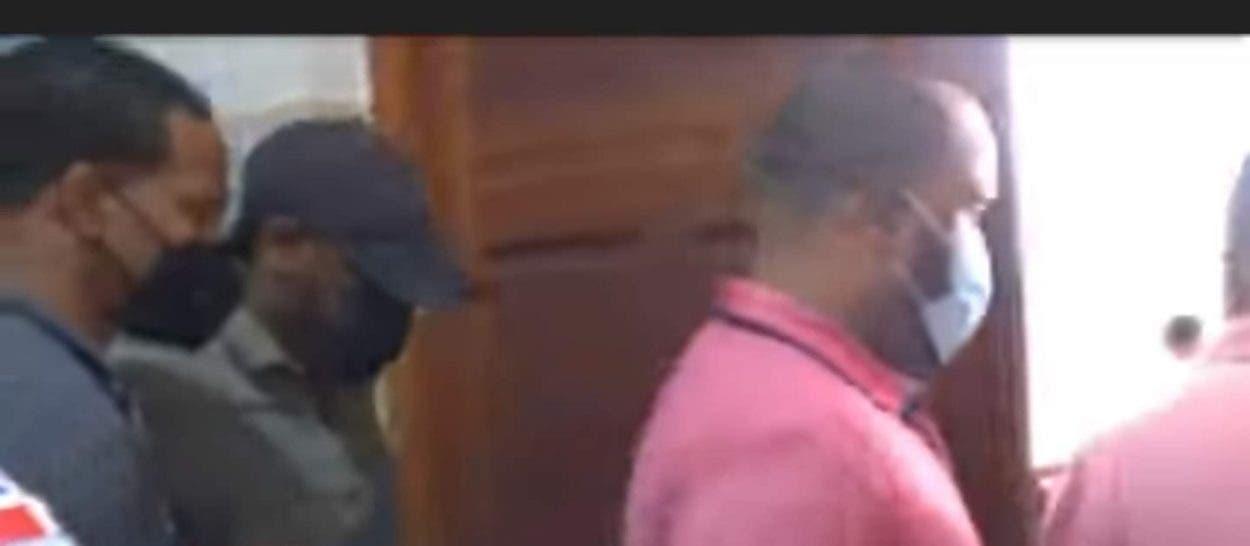 Dictan tres meses de prisión contra exagentes DNCD agredieron a tiros familia