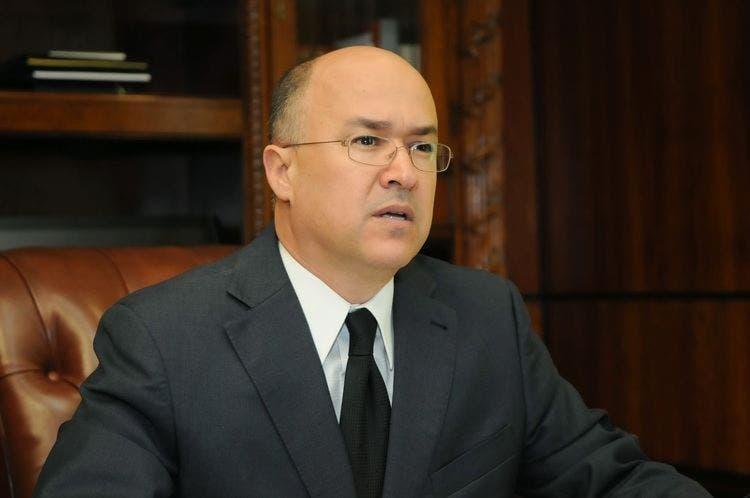 Domínguez Brito dice gobierno sigue improvisando