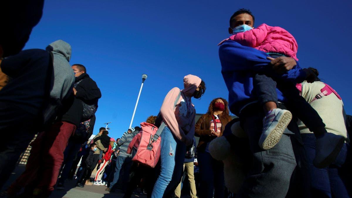 EE.UU. pone fin al programa que enviaba a solicitantes de asilo a México