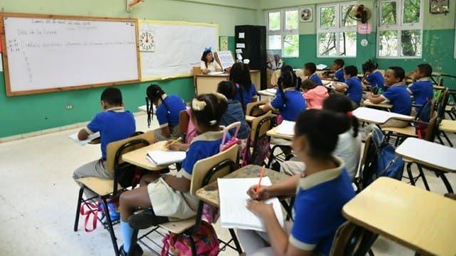 ADP presenta propuesta para finalizar el año escolar debido al covid-19
