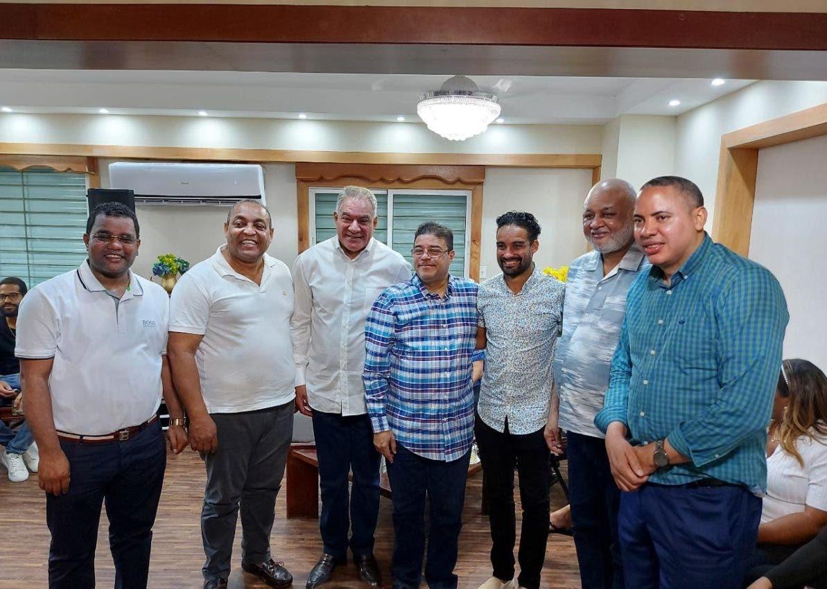Fulcar ofrece apoyo a Luguelín Santos en coordinación con el Ministro de Deportes