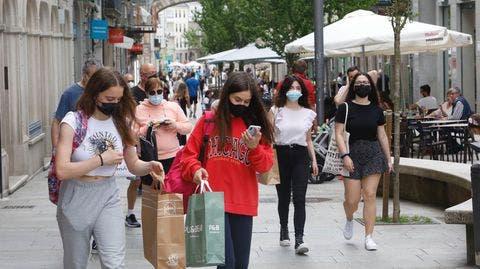 Las mascarillas no serán obligatorias al aire libre en Italia