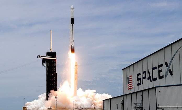 La cápsula Dragon inicia misión de abastecimiento a la Estación Espacial