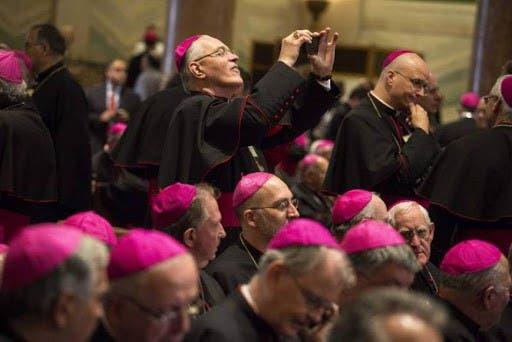 Los obispos de EE.UU. redactarán un documento sobre comunión, aborto y Biden