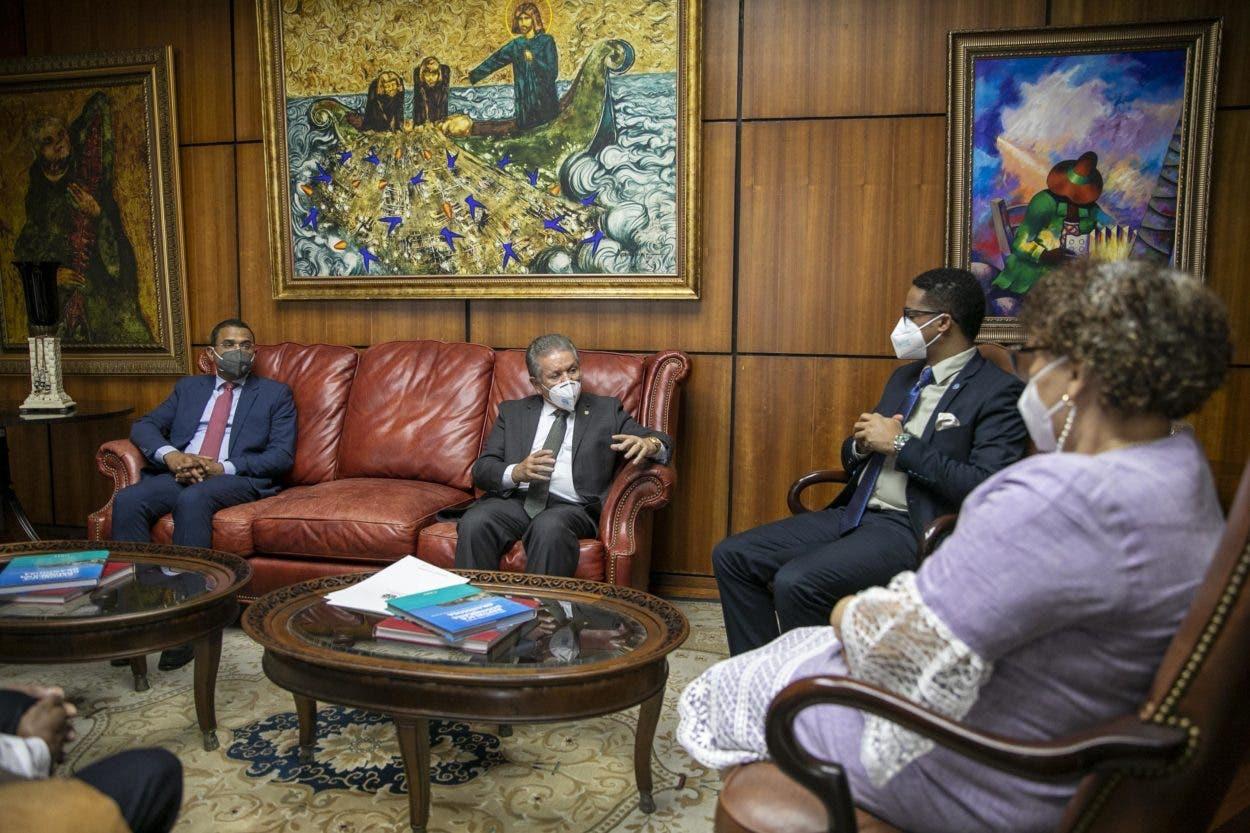 Senador  La Altagracia pide construcción cárceles región este