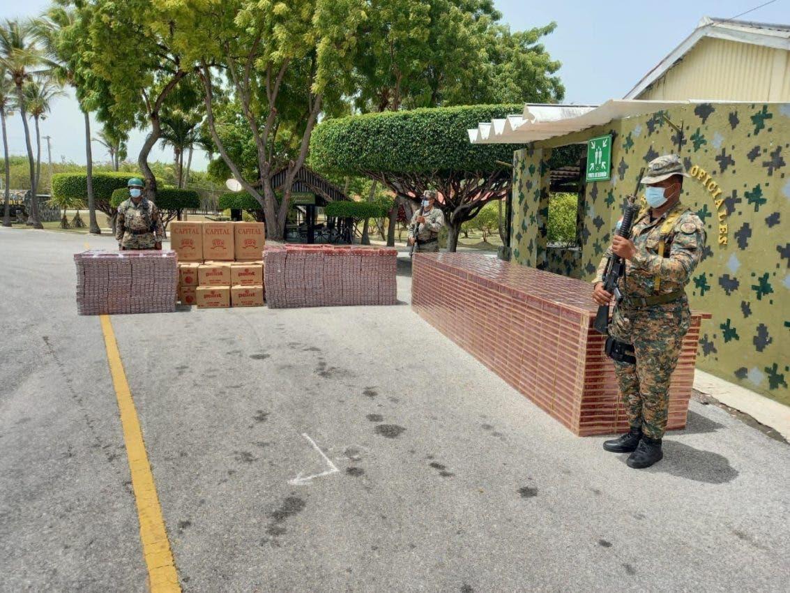 Miembros del Ejército incautan dos cargamentos ilegales de cigarrillos