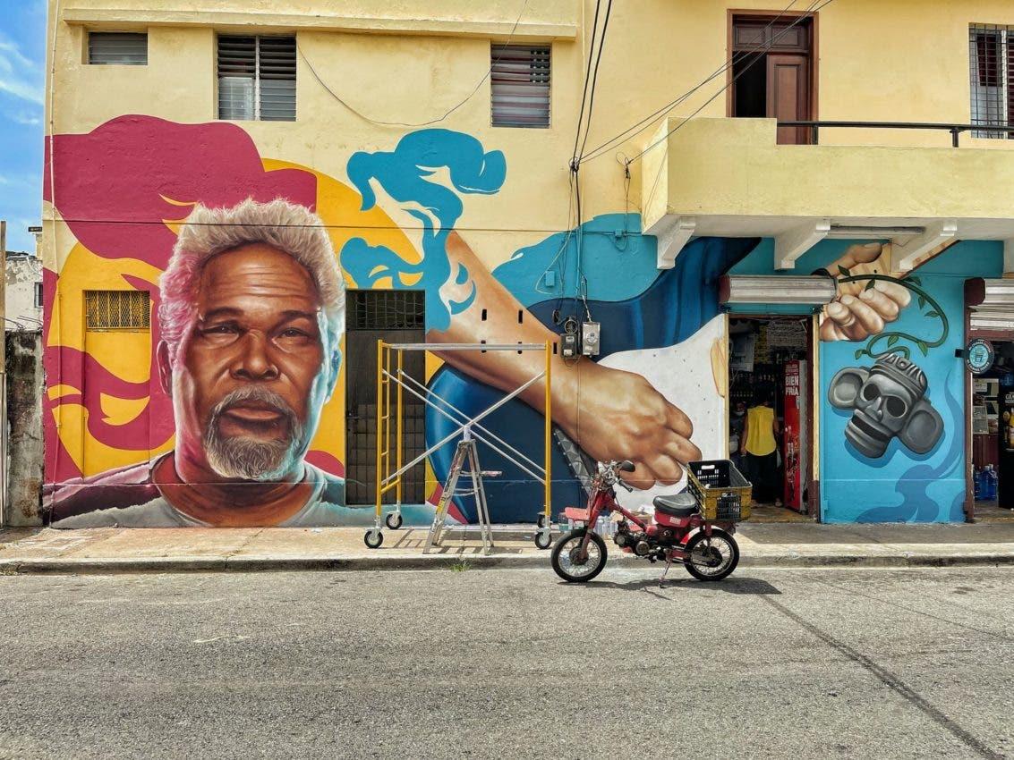 Mural honra memoria de Luis Días, en Ciudad Nueva