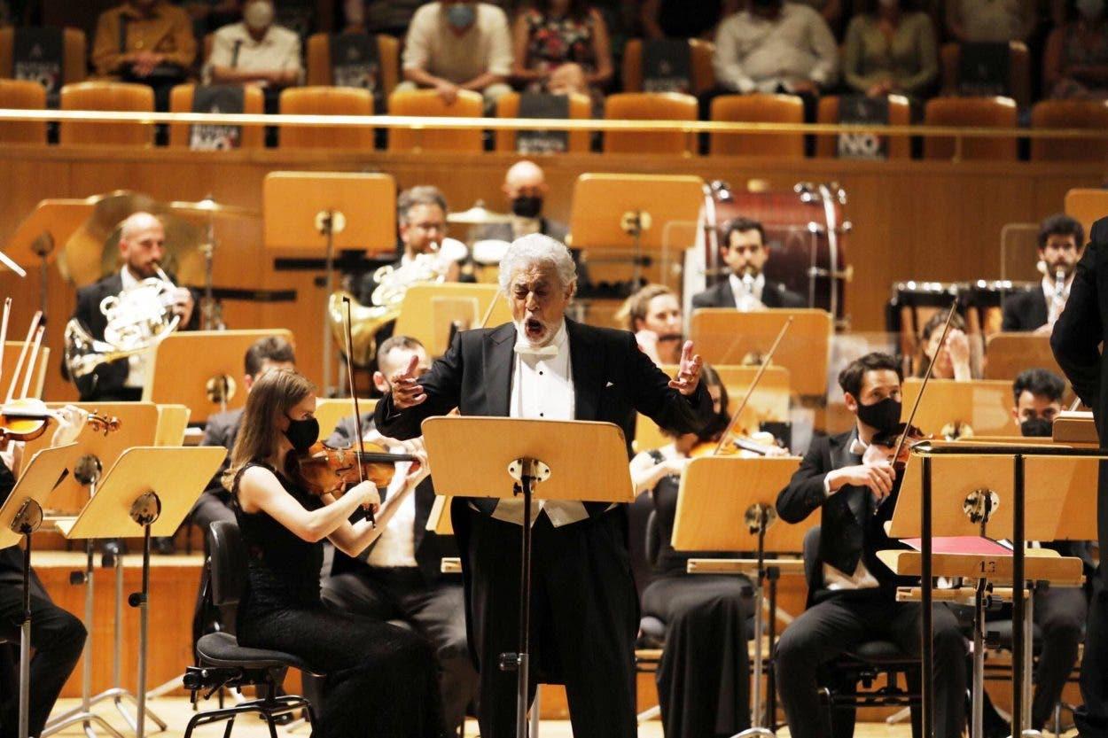 Ovación para Plácido Domingo en su vuelta a los escenarios españoles