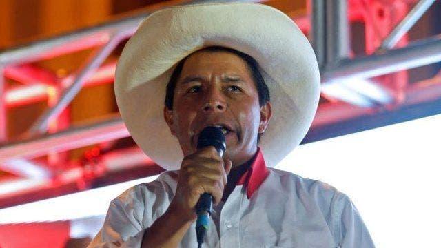 """Castillo actúa como presidente de Perú mientras Fujimori persiste en """"fraude»"""