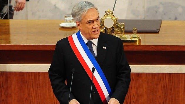 """Presidente chileno pide """"perdón"""" por errores y sorprende con respaldo al matrimonio gay"""